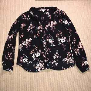 🦁Candies brand sz L floral blouse in black 🦁